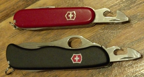how to use swiss army knife can opener