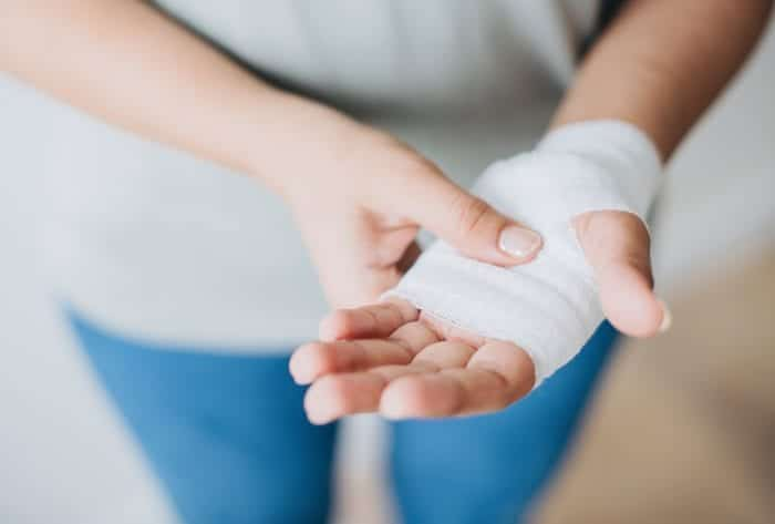 bandage-close-up-first-aid-1571170