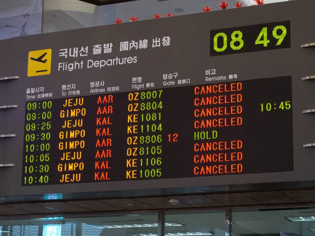hurricane travel flight cancellation